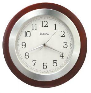 Bulova Reedham–Reloj de pared (acabado en nogal–aluminio c